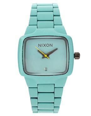 Sedan länge har jag varit förtrollad av mintgrön/turkos färg. Denna klockan är verklige himmel runt handleden! Synd att den var så pricy..