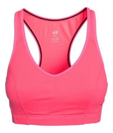 Jag gillar att bryta av med en stark färg. Denna rosa finns även på mina jogging-dojjor så det kommer att passa superbra! Kul att våga vara riktigt tjejjig också!
