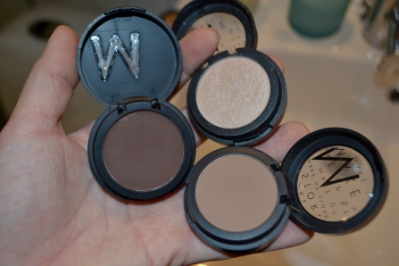 BROWTIME!! I use three Microshadows from MUS (smog, Muffin and Kakaw)