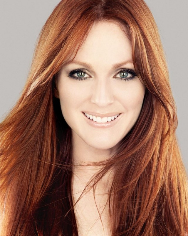 Julianne-Moore-Hollywood-Stars-Rich-and-Famous-Movie-Stars-Star-of-the-Week-Celebrities-Beverly-Hills-Magazine-Hollywood-Magazines-